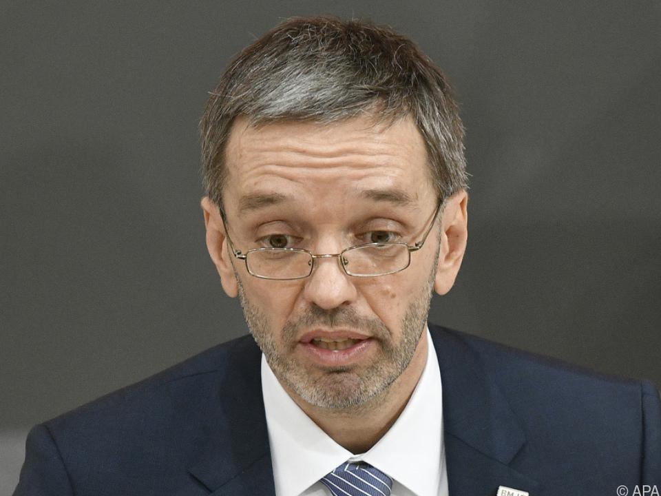 Innenminister Kickl wehrt sich gegen Vorwürfe