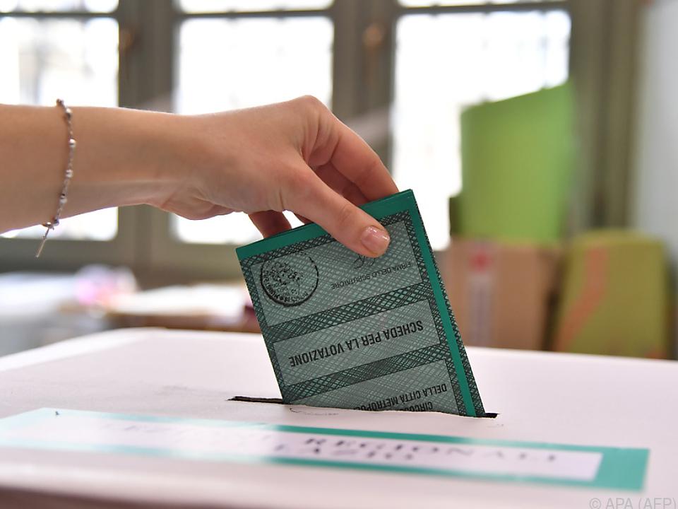 Italiener wählen neues Parlament