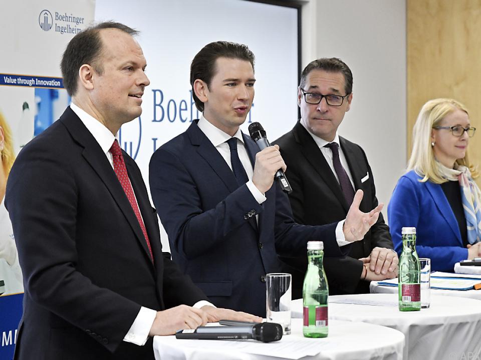 Kanzler und Vizekanzler zu Besuch bei Boehringer Ingelheim