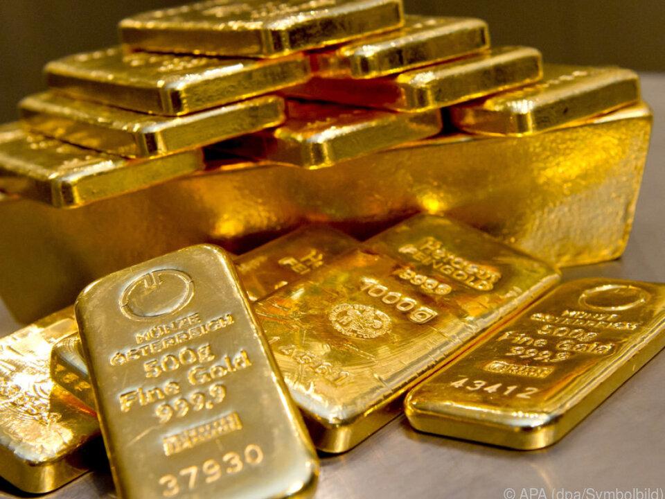 Mehr als 150 Goldbarren mussten eingesammelt werden