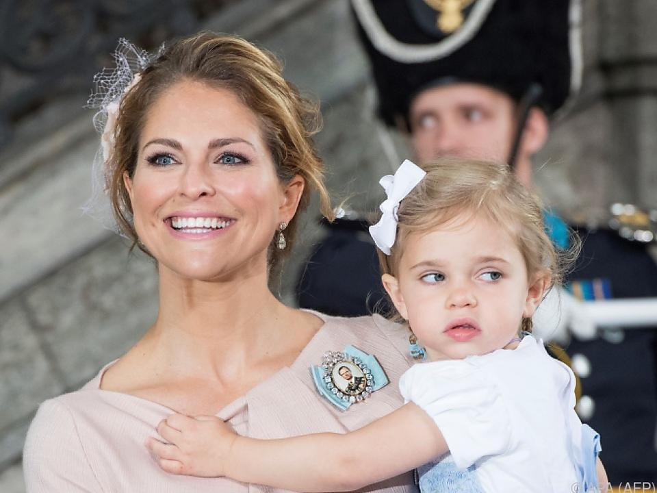 Schwedisches Königshaus: Prinzessin Madeleine bringt drittes Kind zur Welt