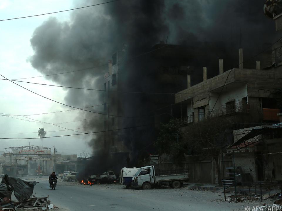 Rauchschwaden in der Stadt Douma