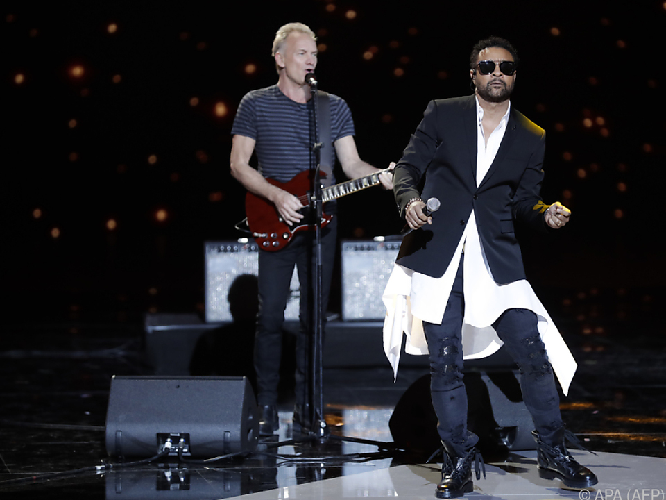 Sting und Shaggy live on stage