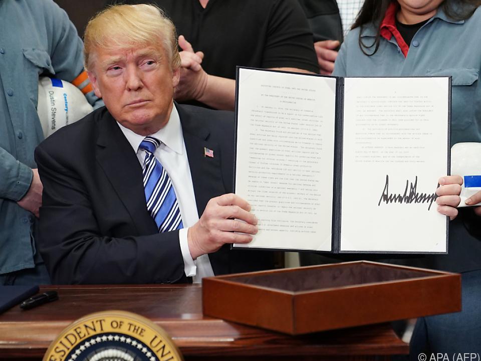 trump unterschrieb am donnerstag zwei proklamationen - Ausatmen Fans Usa