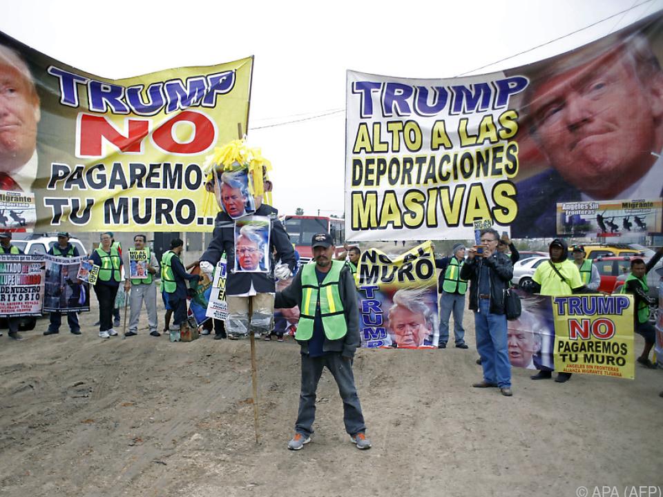 Trumps Lokalaugenschein war von Protesten begleitet