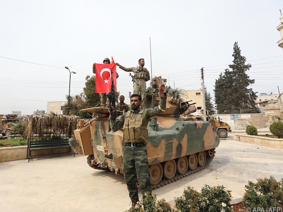 Türkische Armee will Region Afrin \
