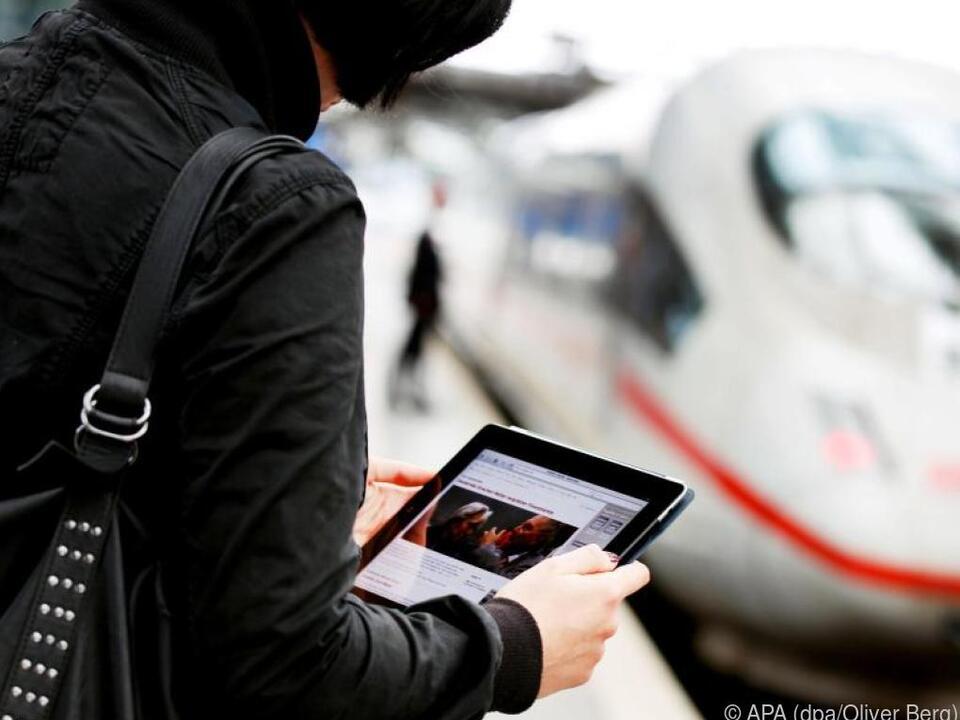Wer sein Tablet an vielen Orten nutzt, sollte seine Daten gut verschlüsseln