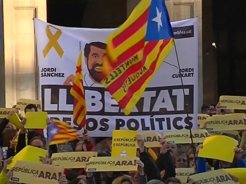 Zehntausende demonstrieren für Unabhängigkeit Kataloniens