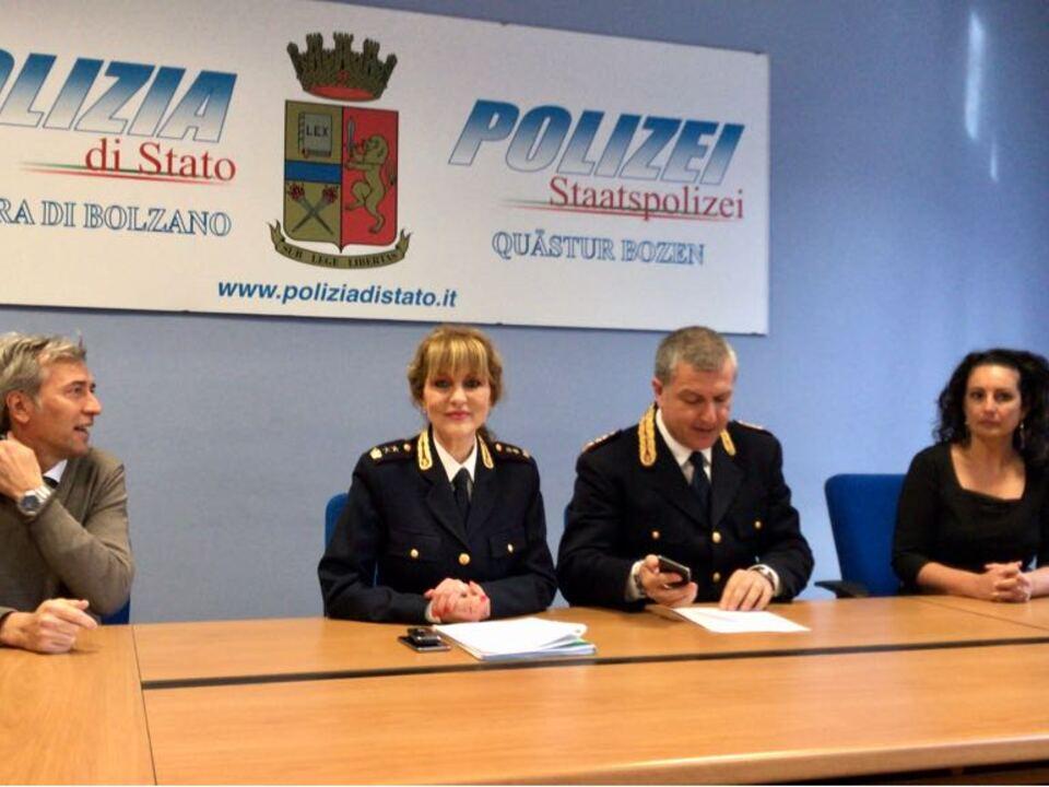 Quästur Polizei Gebärdensprache