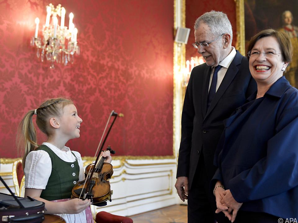 Anna Cäcilia Pföß begleitet Van der Bellen nach China