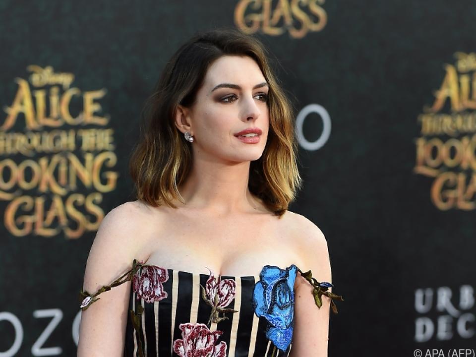 Anne Hathaway hat kein Problem mit ihrem Gewicht