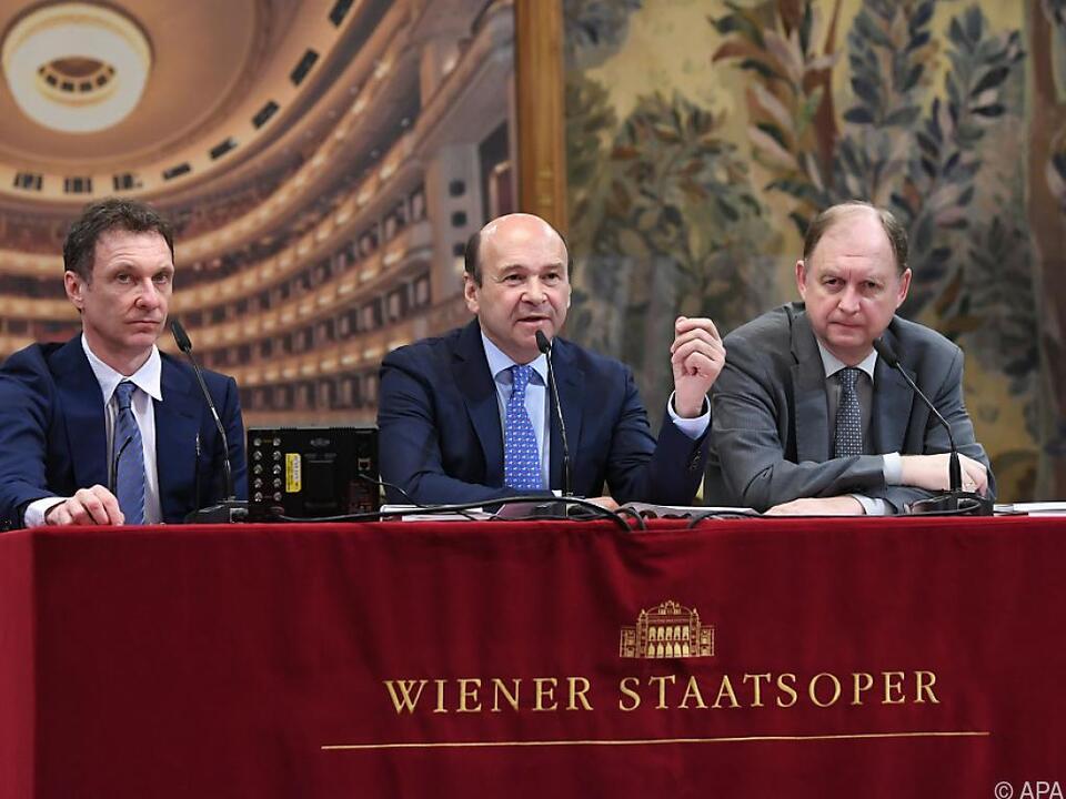Ballett-Direktor Legris, Direktor Meyer und Geschäftsführer Platzer