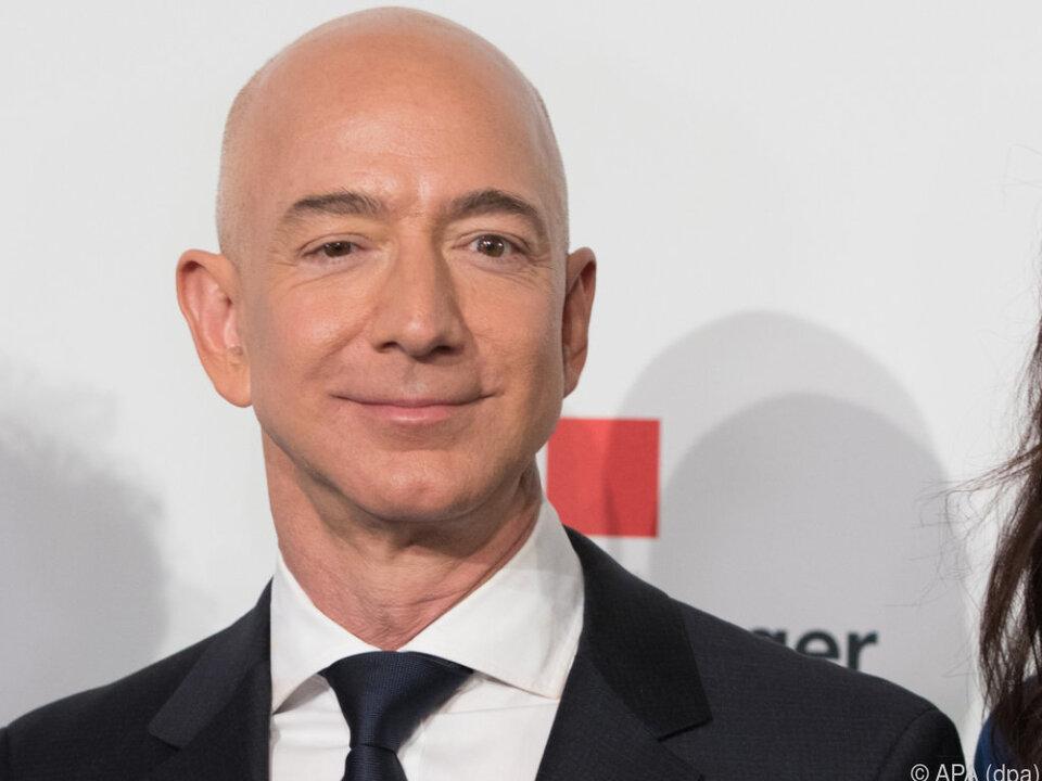 Bezos macht mit seinem Vermögen Kurs-Rallyes mit