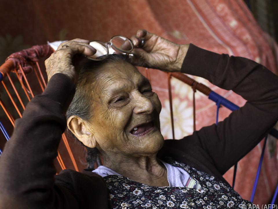 Die 96-Jährige will noch einmal die Schulbank drücken