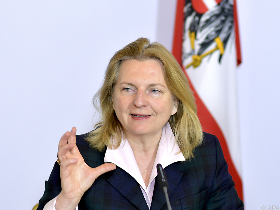 Die Außenministerin besucht Russland
