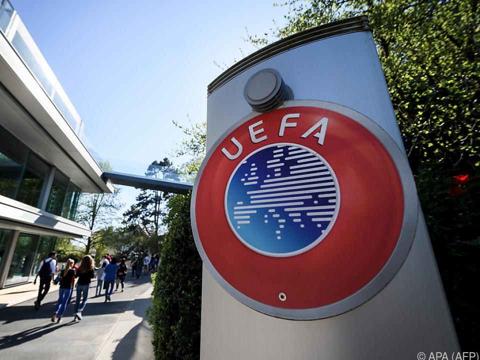Die Bewerbungsunterlagen wurden fristgerecht bei der UEFA abgegeben