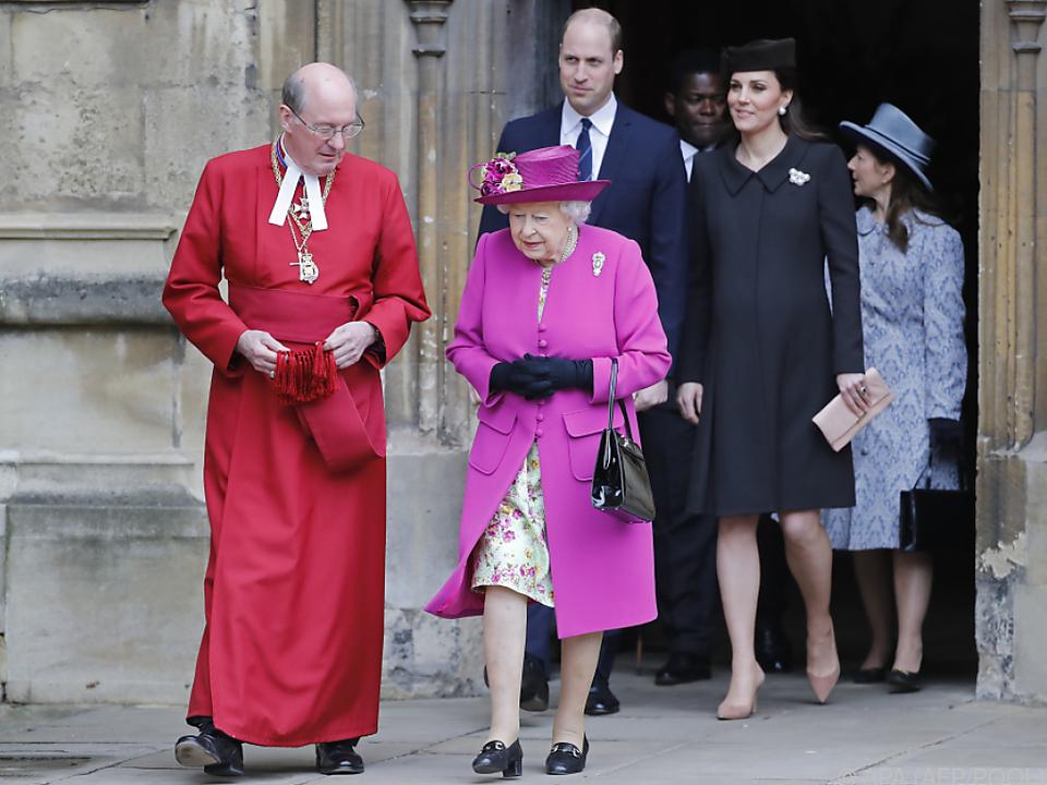 Die Queen nahm gut gelaunt am Gottesdienst teil