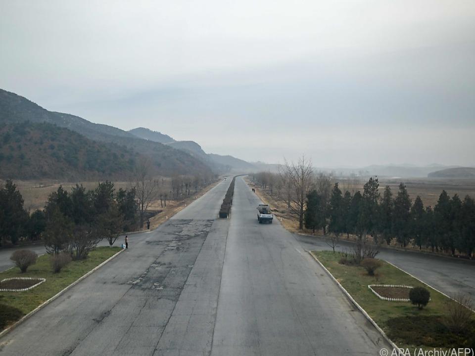 Die Straßen in Nordkorea sind in einem überwiegend schlechten Zustand