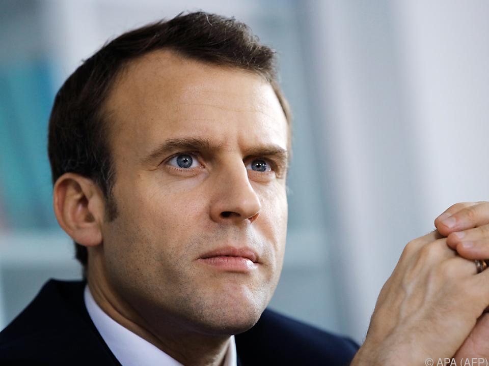 Emmanuel Macron startet \