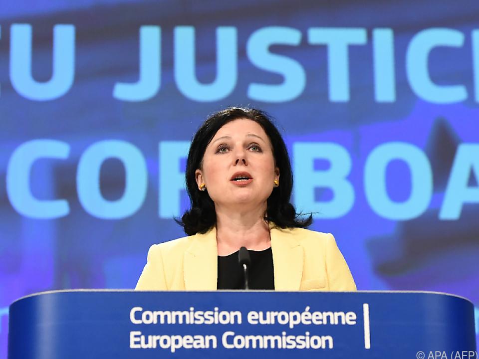 EU-Kommissarin Vera Jourova will die Pläne am Mittwoch vorlegen