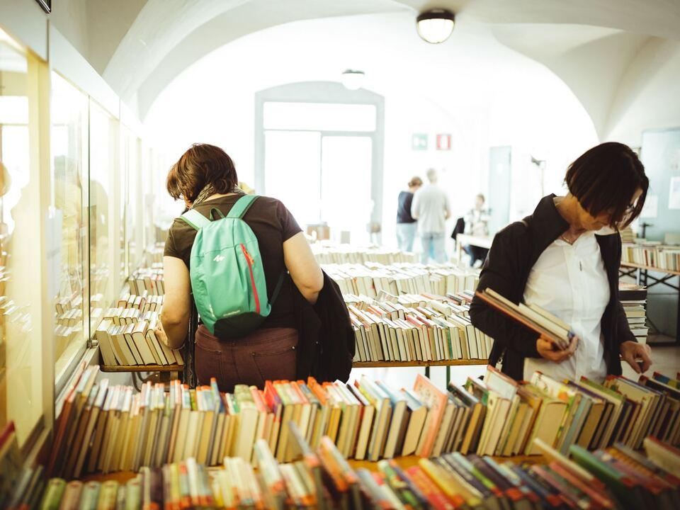 Brixner Tage des Buches Flohmarkt-klein-13