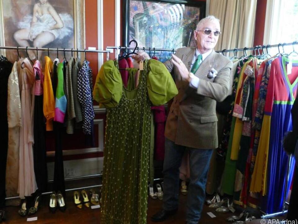 Prinz von Anhalt bietet auch die Garderobe von Zsa Usa Gabor an