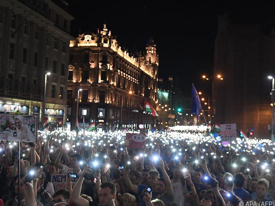 Großdemonstration gegen die Regierung in Budapest