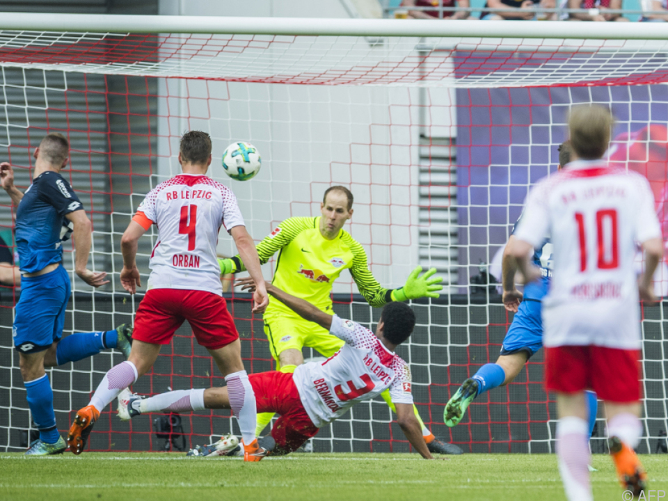 Hoffenheims Kaderabek lässt Leipzigs Goalie Guacsi chancenlos