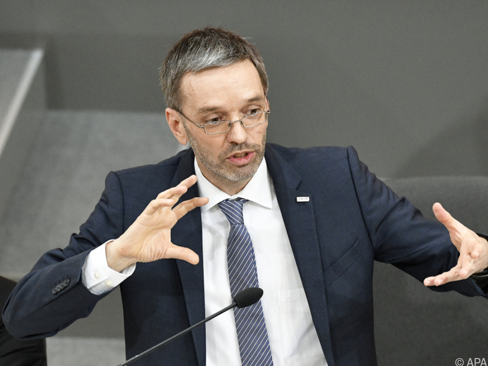 Innenminister Kickl verteidigt die Gesetzesvorlagen
