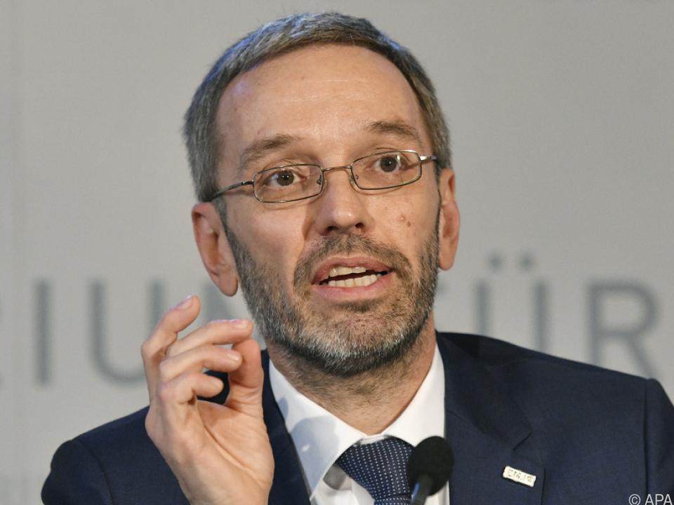 Innenminister Kickl will Asylwerber für Verfahren zahlen lassen