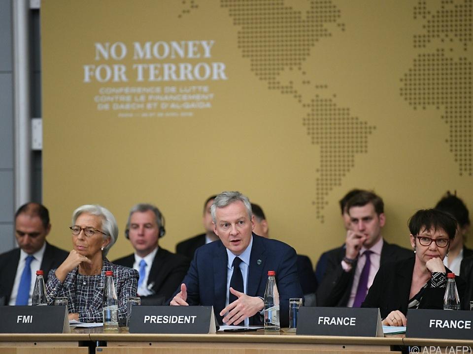 Int. Gemeinschaft will IS Geldhahn zudrehen