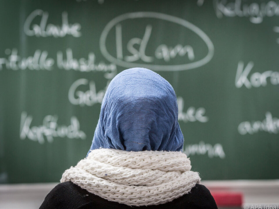 Kopftuch in Kindergärten und Schulen soll verboten werden
