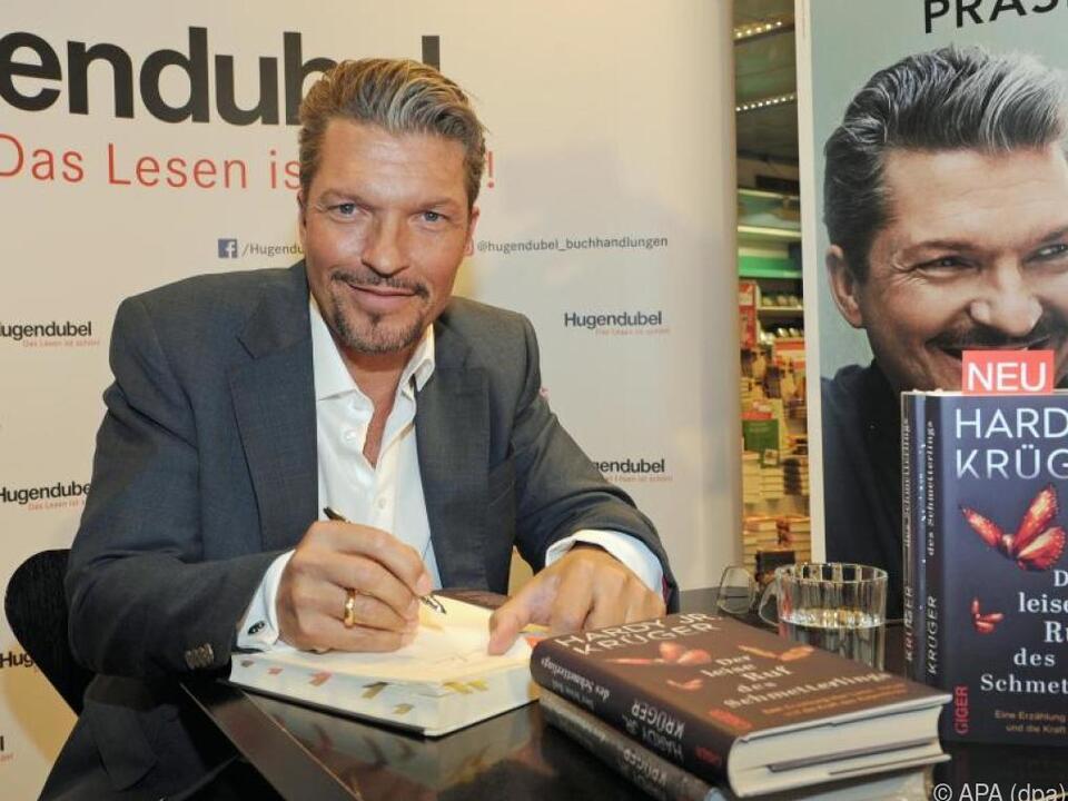 Krüger jr. stellt sein erstes Buch vor