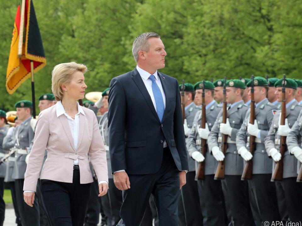 Kunasek beim Treffen mit deutscher Amtskollegin