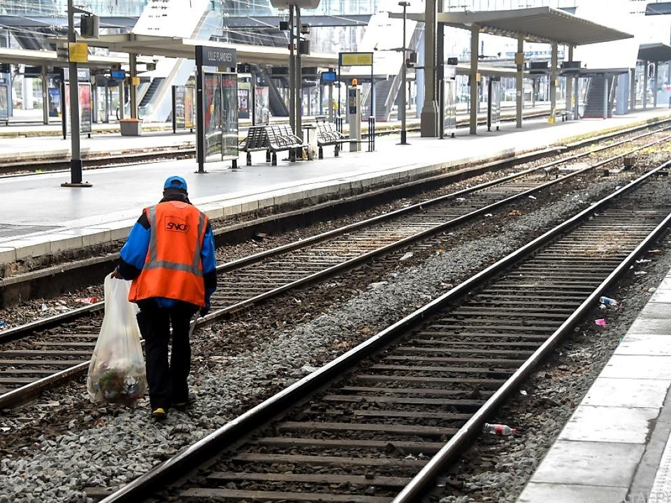 Leere Bahnsteige in Frankreich