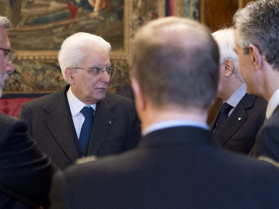 Mattarella Gespräche Konsultation Regierung