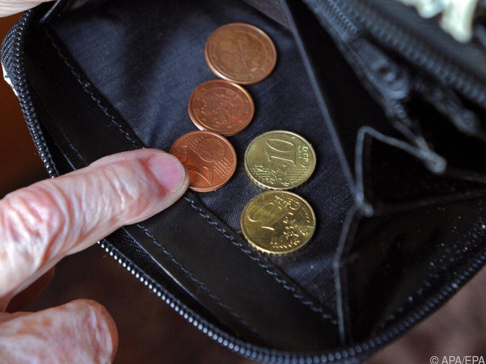 Monatseinkommen von 1.238 Euro gilt als Armuts-Schwelle