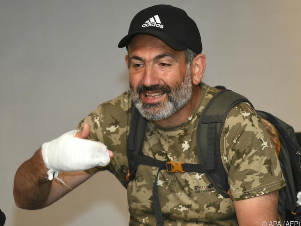 Paschinian forderte Rücktritt von Regierungschef