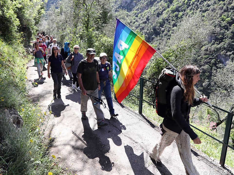 Rund 60 Aktivisten machten sich auf den 1.400 Kilometer langen Marsch