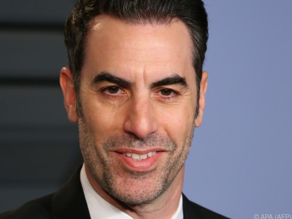 Sacha Baron Cohen - adrett wie James Bond