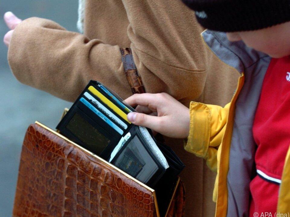 Schlechter Zeitpunkt für Taschendiebstahl