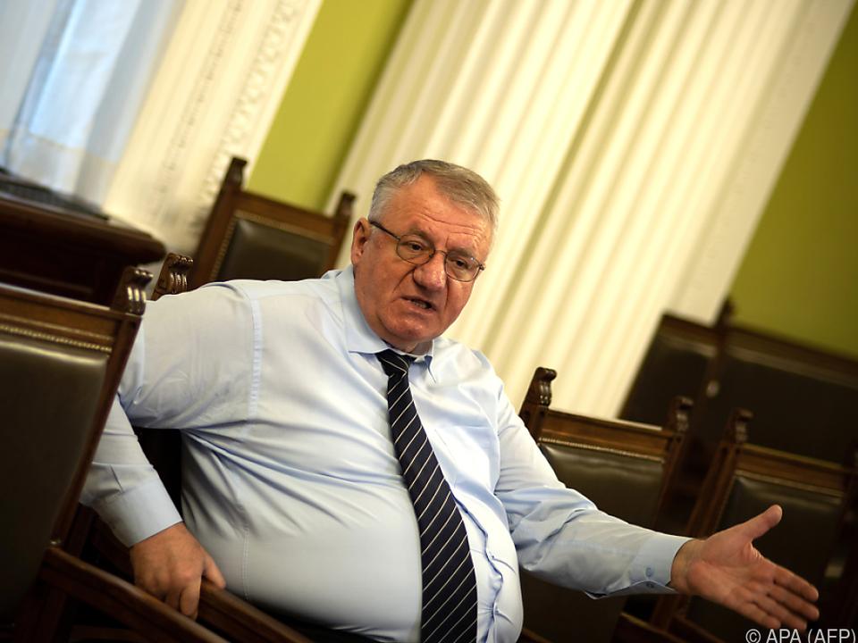 Seselj stellte sich 2003 freiwillig dem UNO-Tribunal