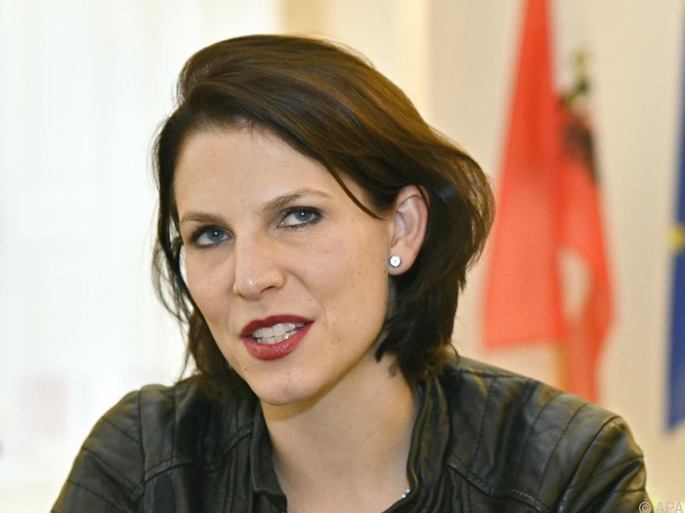 Staatssekretärin Karoline Edtstadler: \