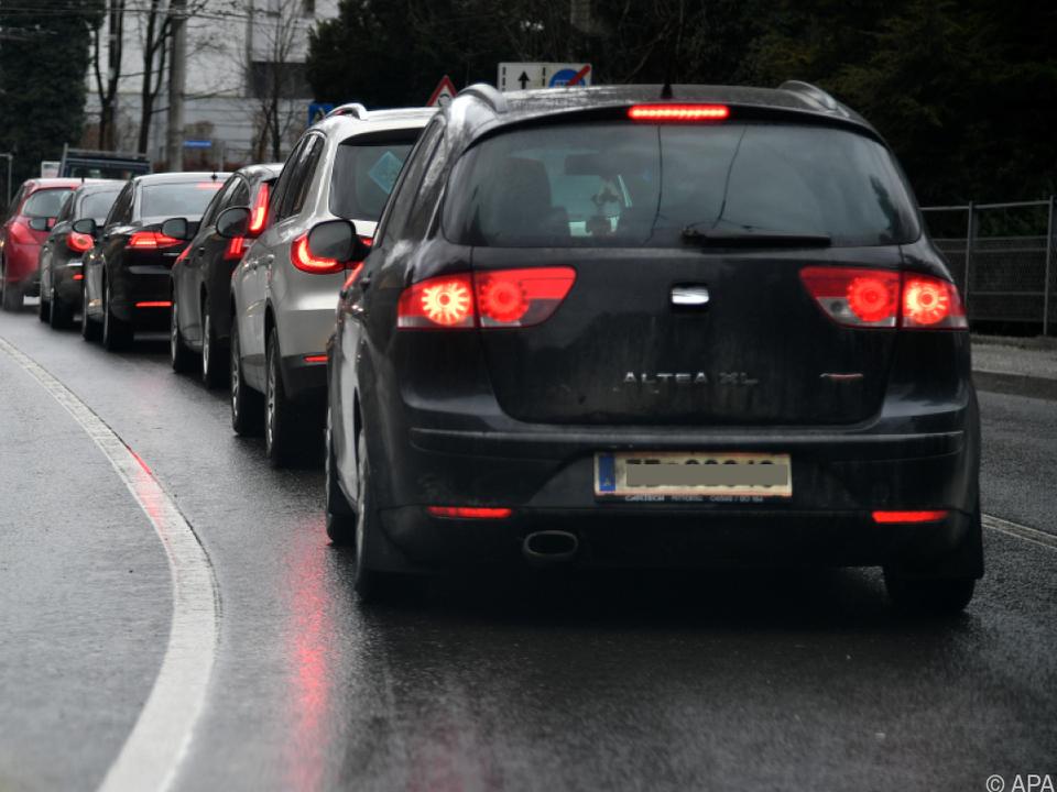 Stark befahrene Straßen weisen eine hohe Belastung auf