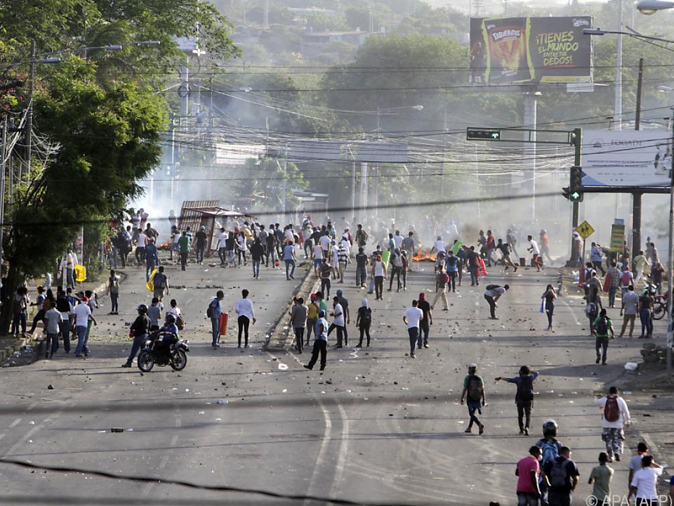Straßenschlachten in Managua