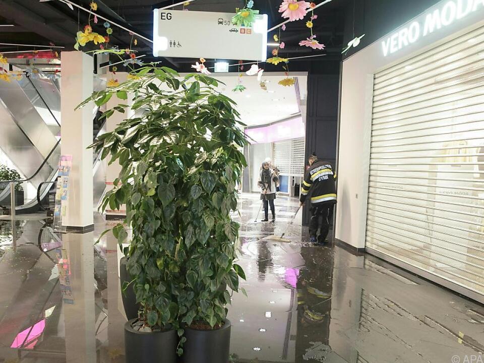 Überflutungen im Einkaufszentrum