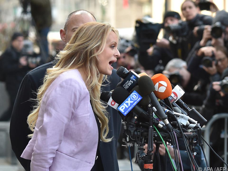 US-Präsident: Pornostar hält Medien zum \