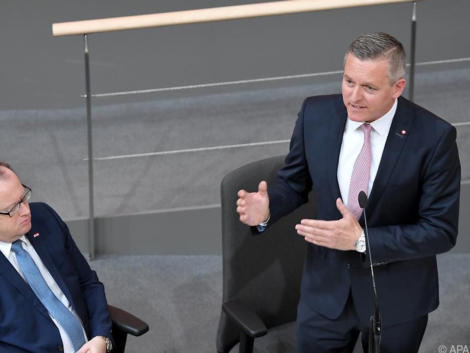 Verteidigungsminister Kunasek verteidigte Sparkurs der Regierung