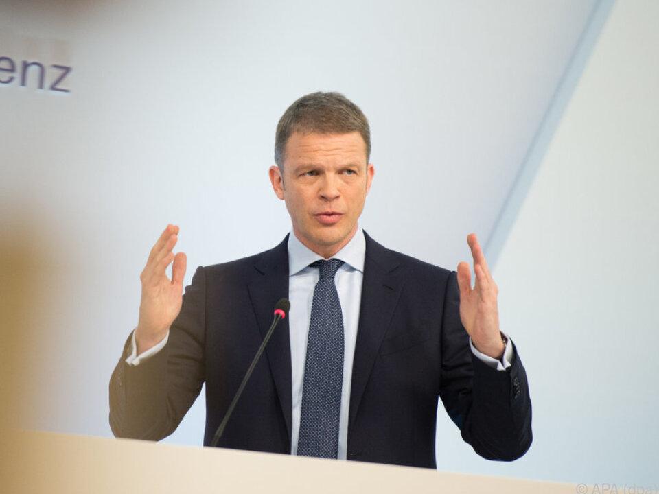 Vize-Vorstandschef Christian Sewing rückt an die Spitze