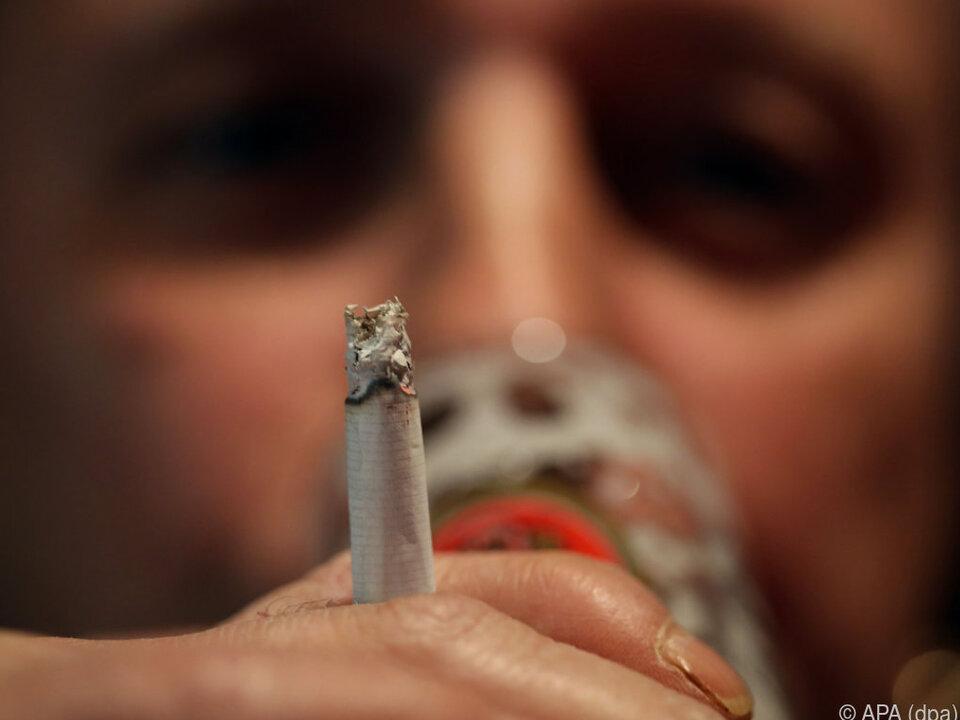 alkohol zigarette rauchenVolksbegehren hofft auf 900.000 Unterstützer